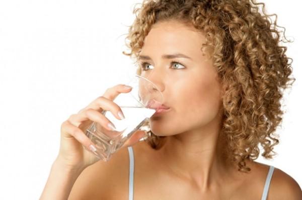 Sofre com refluxos? Água Alcalina Ionizada resolve.